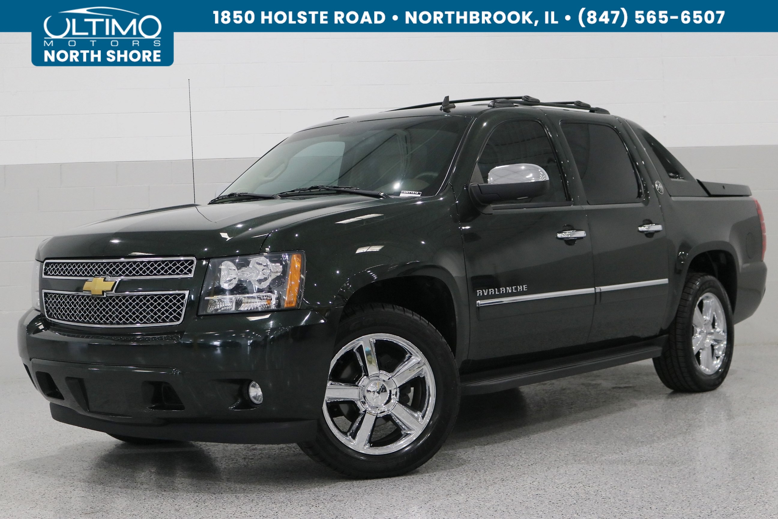 Pre-Owned 2013 Chevrolet Avalanche LTZ, Black Diamond, Sunroof, Heavy Duty Package.