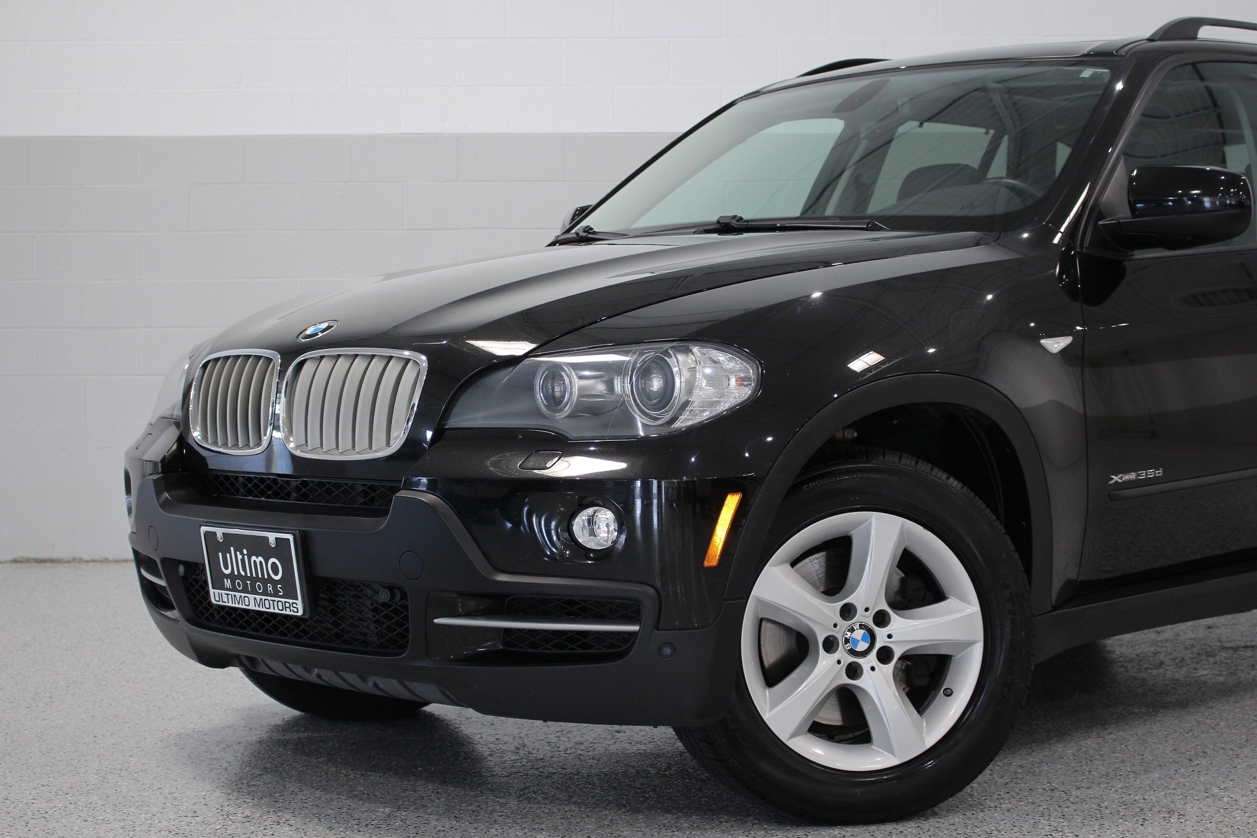 Pre Owned 2010 BMW X5 35d Cold Weather w Rear Climate Premium