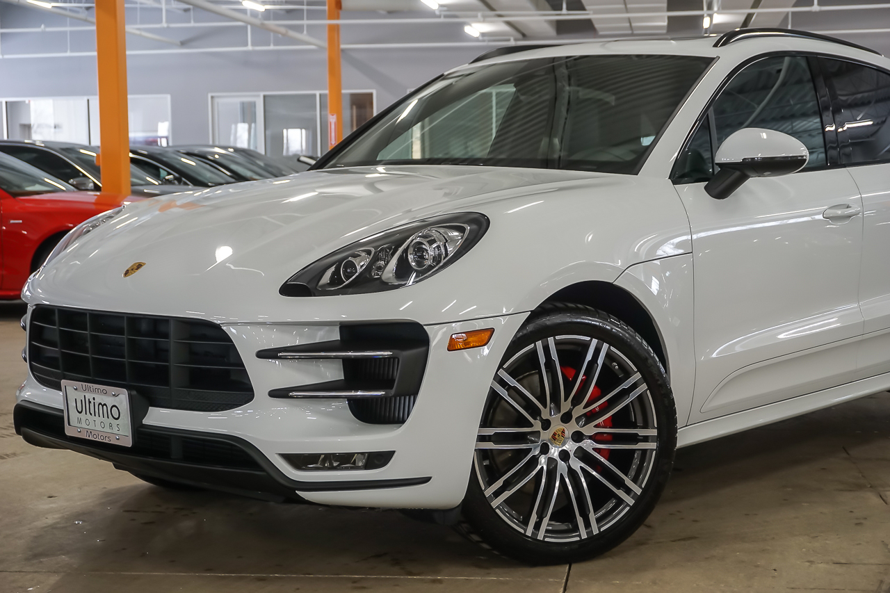 pre owned 2015 porsche macan turbo suv in warrenville. Black Bedroom Furniture Sets. Home Design Ideas